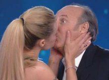 il bacio fra Michelle Hunziker e Gerry Scotti